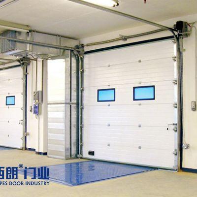 可保温的钢制工业提升门
