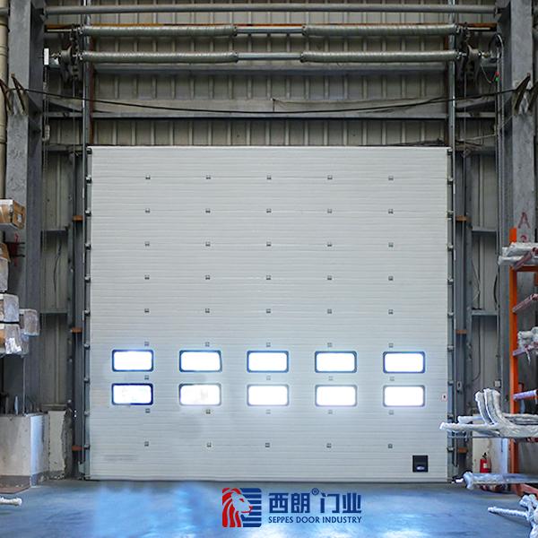成品仓库保温工业提升门